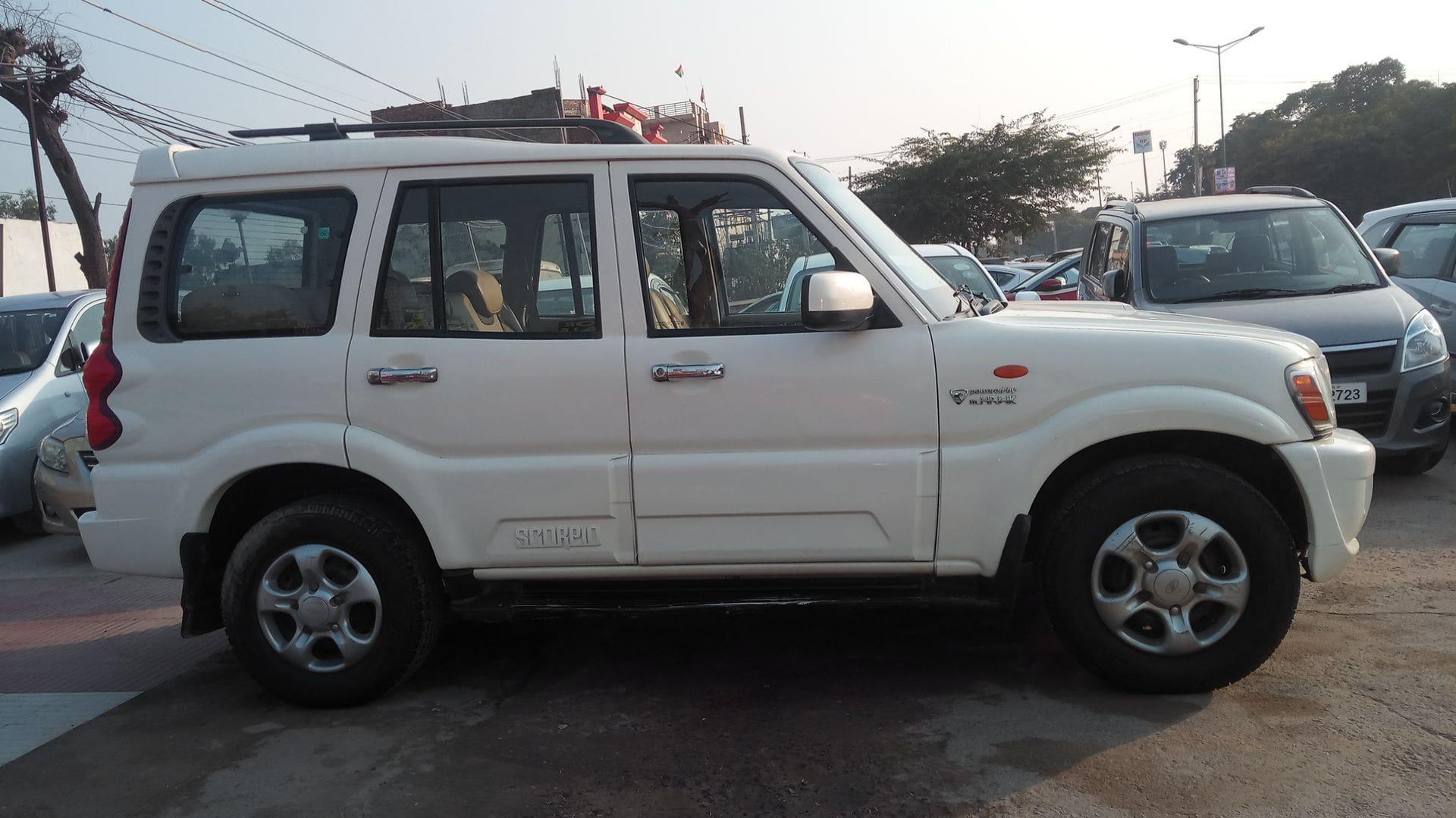 Mahindra Scorpio 2009-2014 SLE 7S BSIV