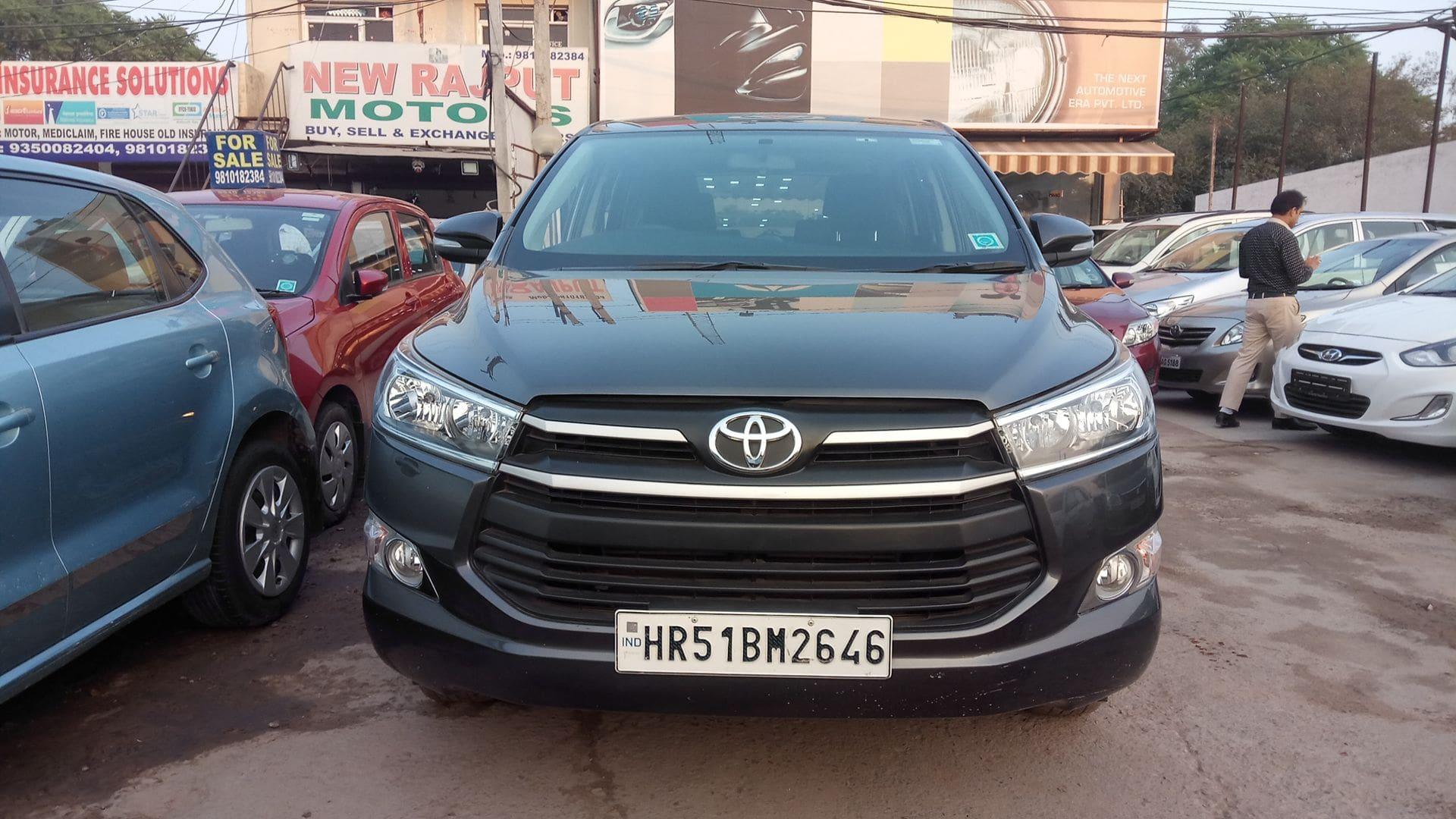 Toyota Innova Crysta 2.8 GX AT