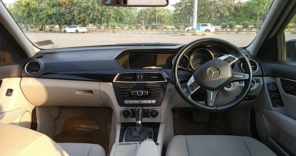 Mercedes-Benz C-Class 220 CDI AT