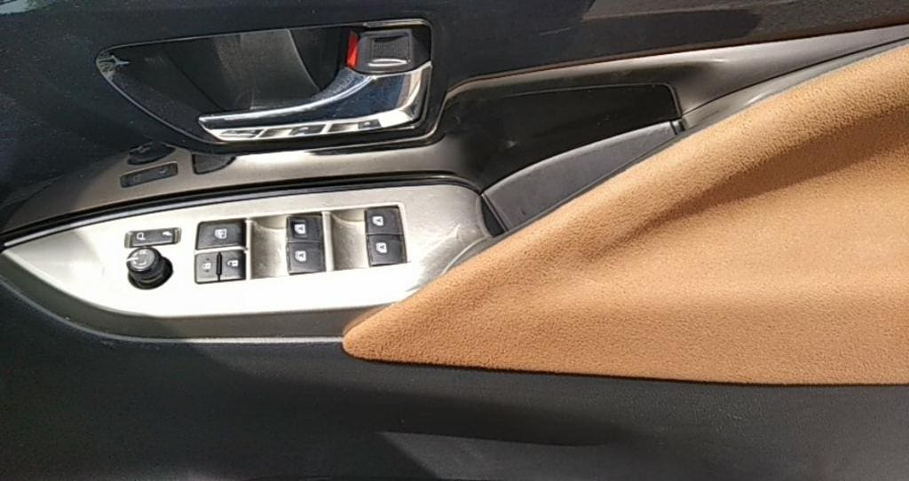 Toyota Innova Crysta 2.8 ZX AT