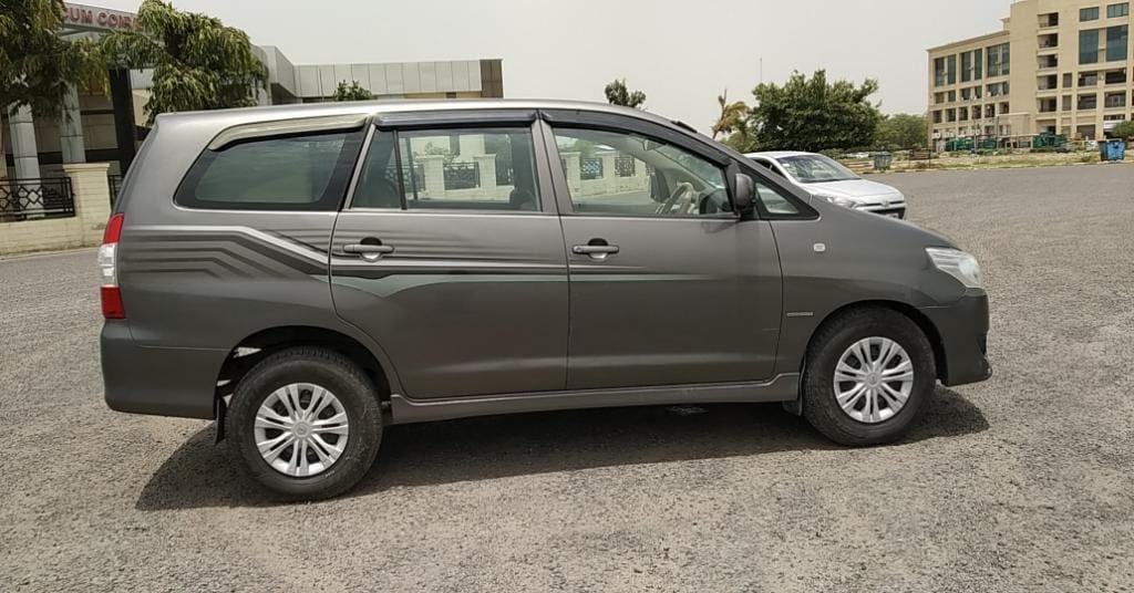 Toyota Innova 2012-2013 2.5 G (Diesel) 7 Seater BS IV