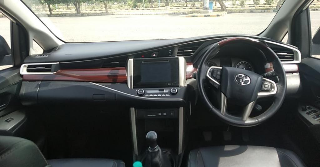 Toyota Innova Crysta 2.4 ZX MT