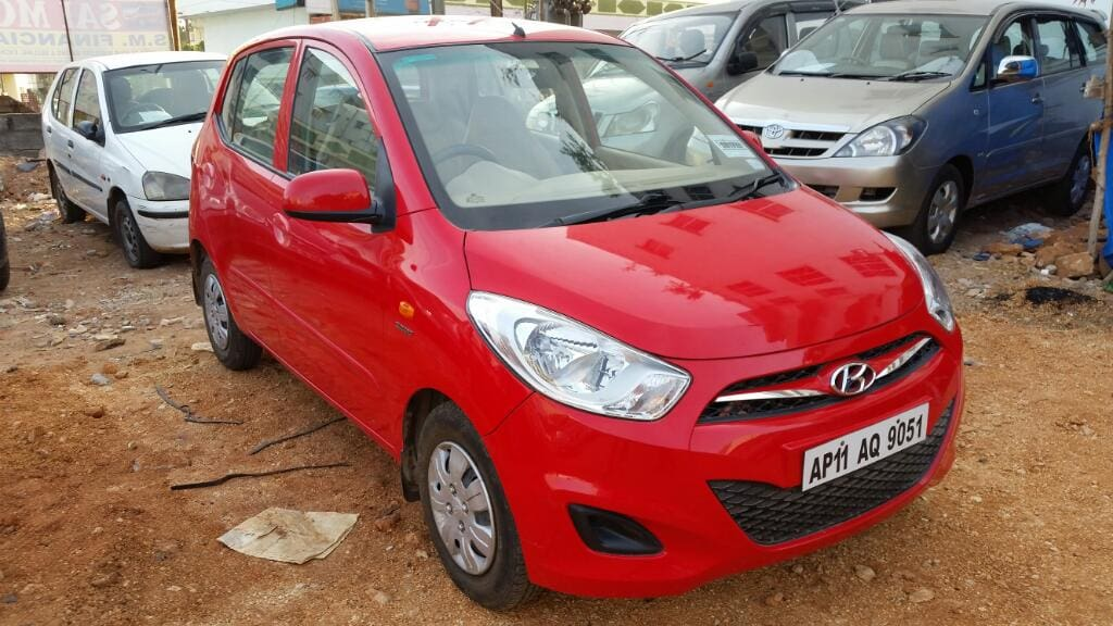 Hyundai i10 Sportz AT