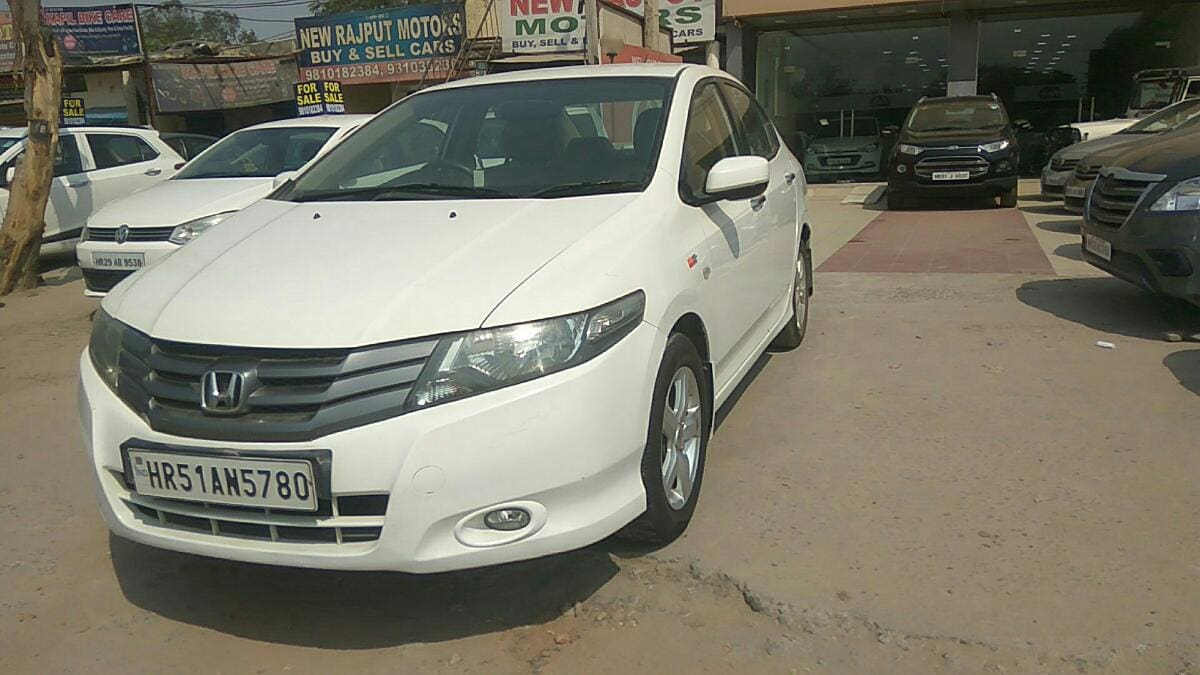 Honda City 2011-2014 V AT
