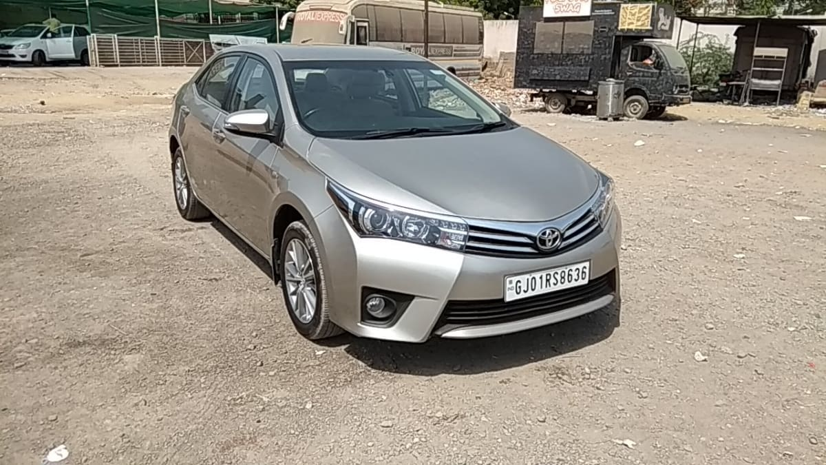 Toyota Corolla Altis 2013-2017 VL AT