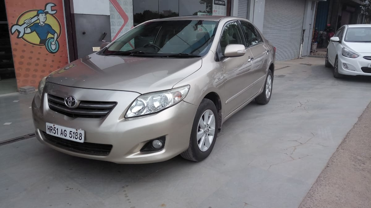 Toyota Corolla Altis 2008-2013 G