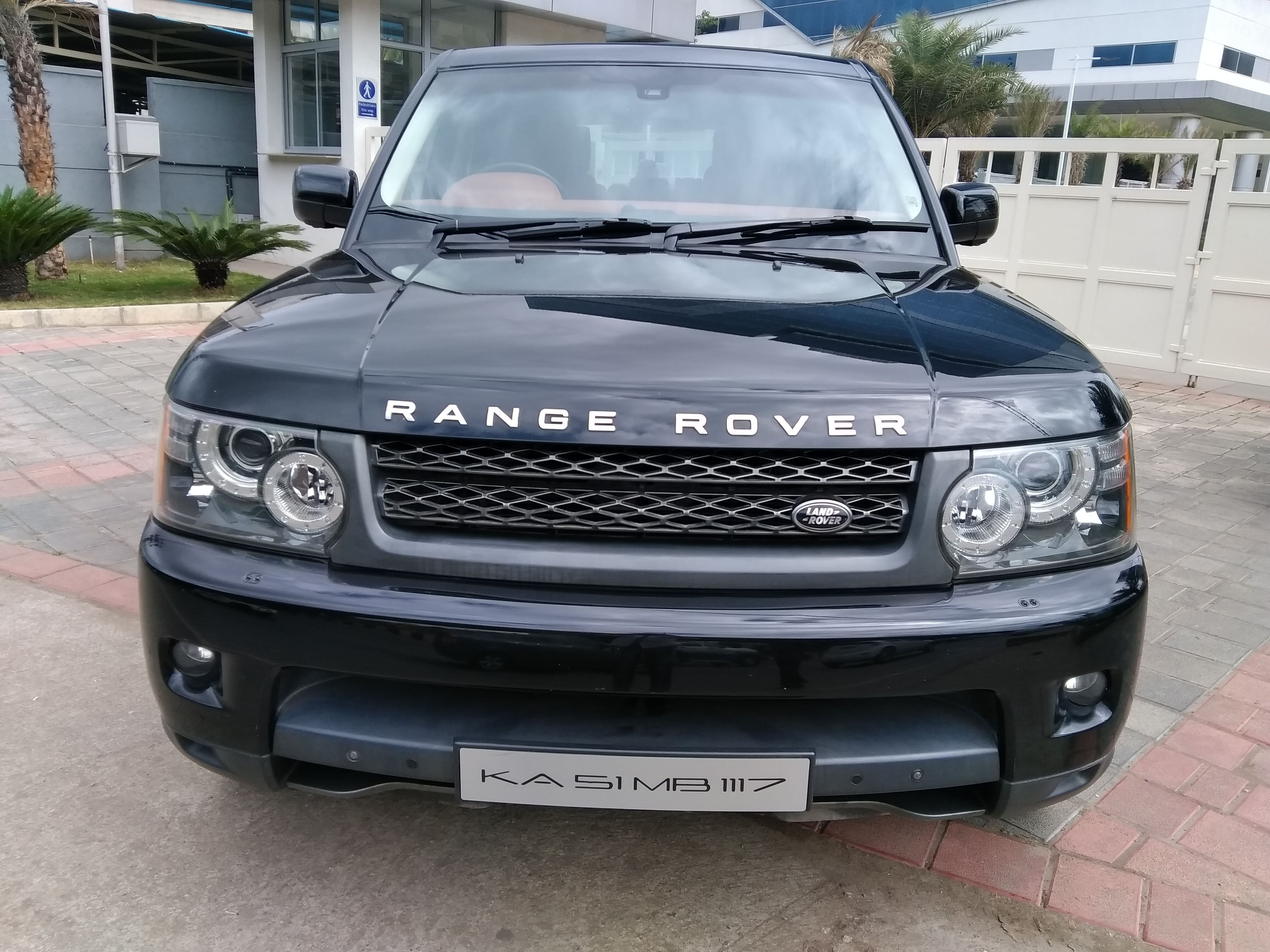 her queen a lwb rovers photo used has news hybrid range landaulet majesty gallery rover the land landrover