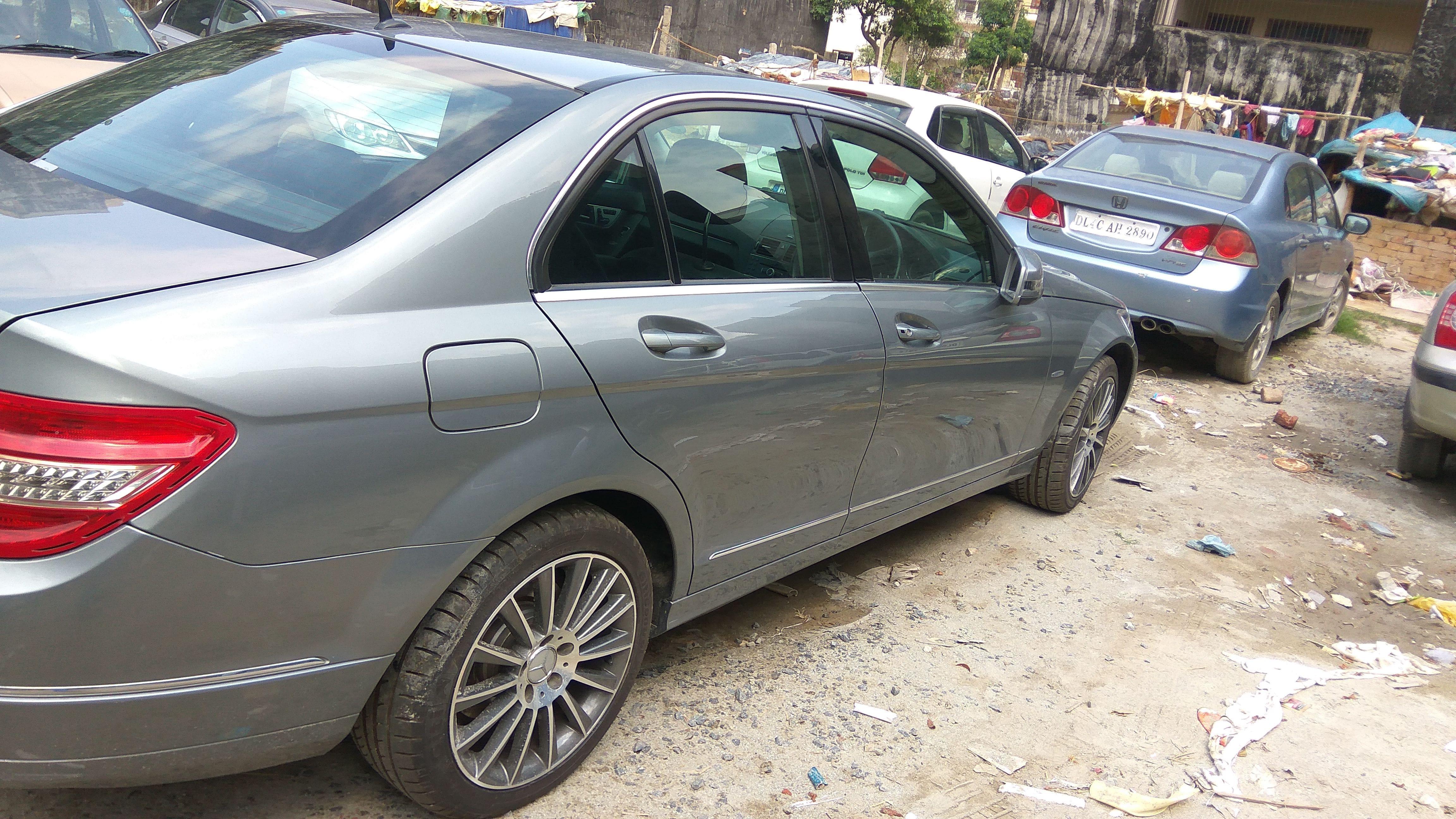 Mercedes-Benz C-Class 200 K Elegance AT