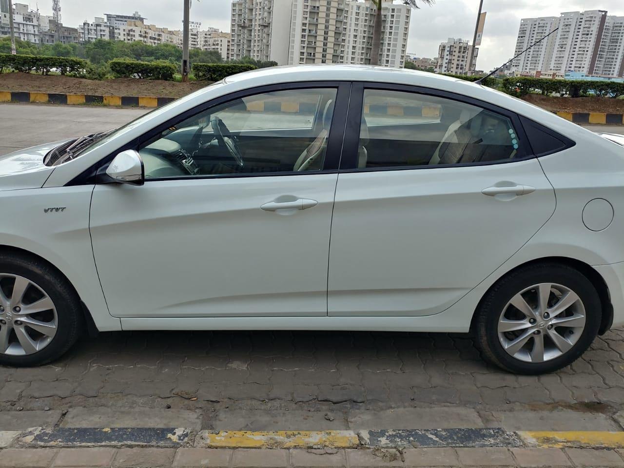 Hyundai Verna 2011 2015 16 SX VTVT O