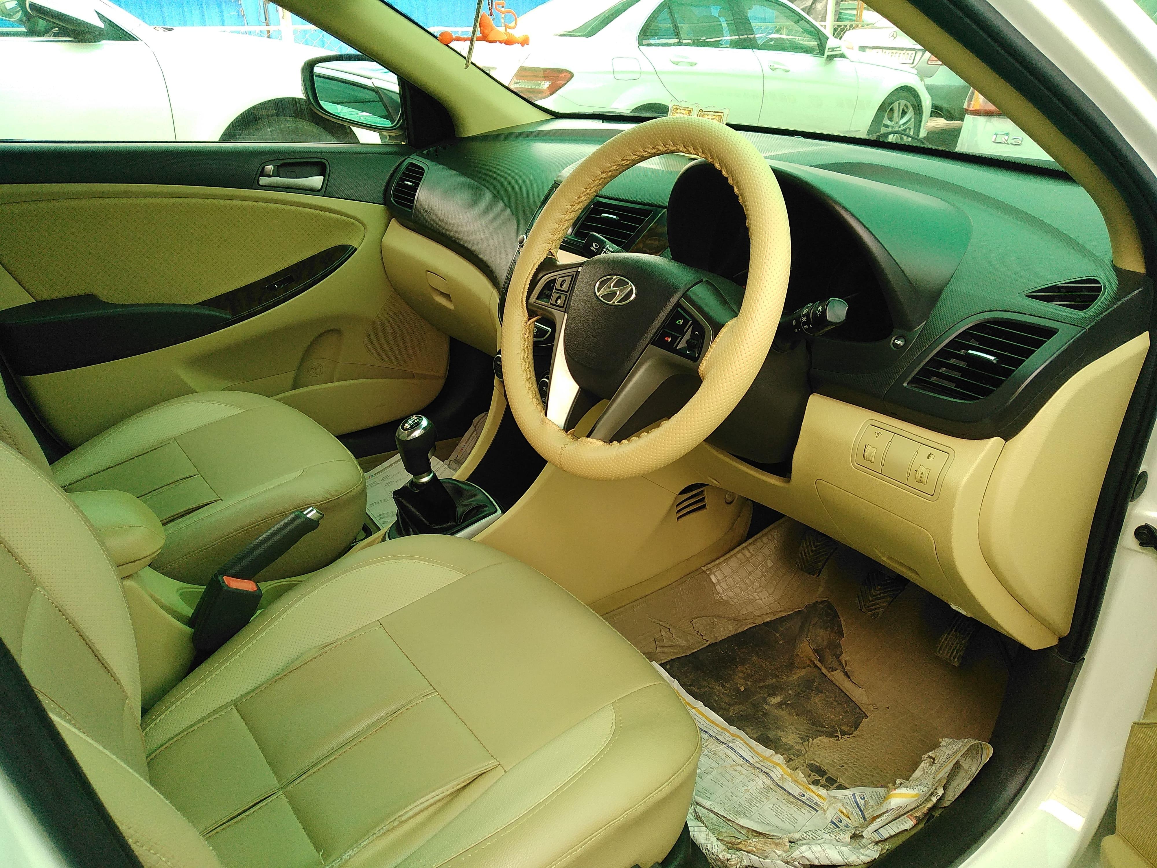 Hyundai Verna 2011 2015 16 SX CRDI O AT Diesel
