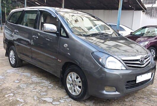 Toyota Innova 2004-2011 2.5 VX (Diesel) 8 Seater BS IV