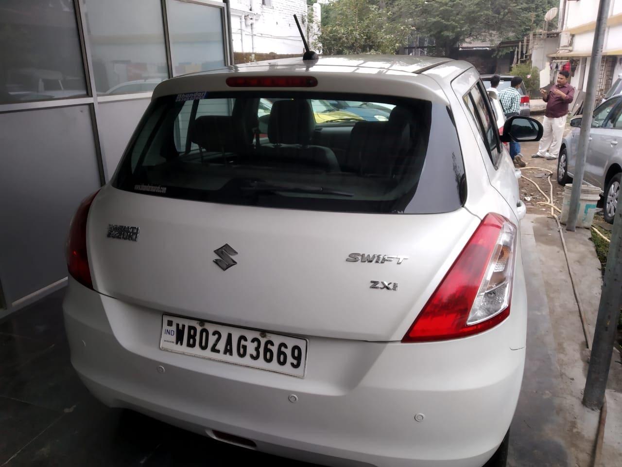 Maruti Swift 2004-2011 ZXI ABS