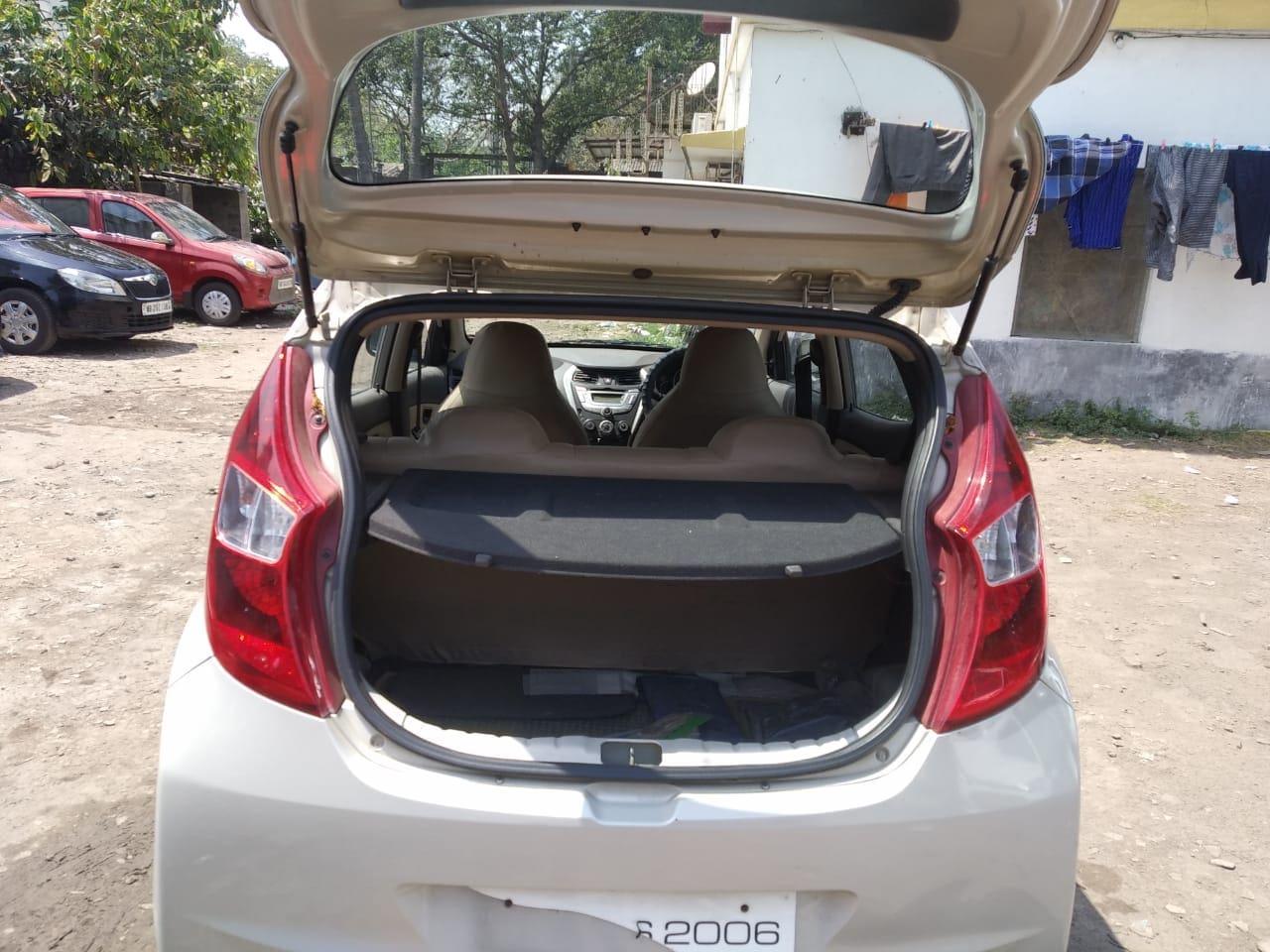 Hyundai EON Magna Plus Sports Edition