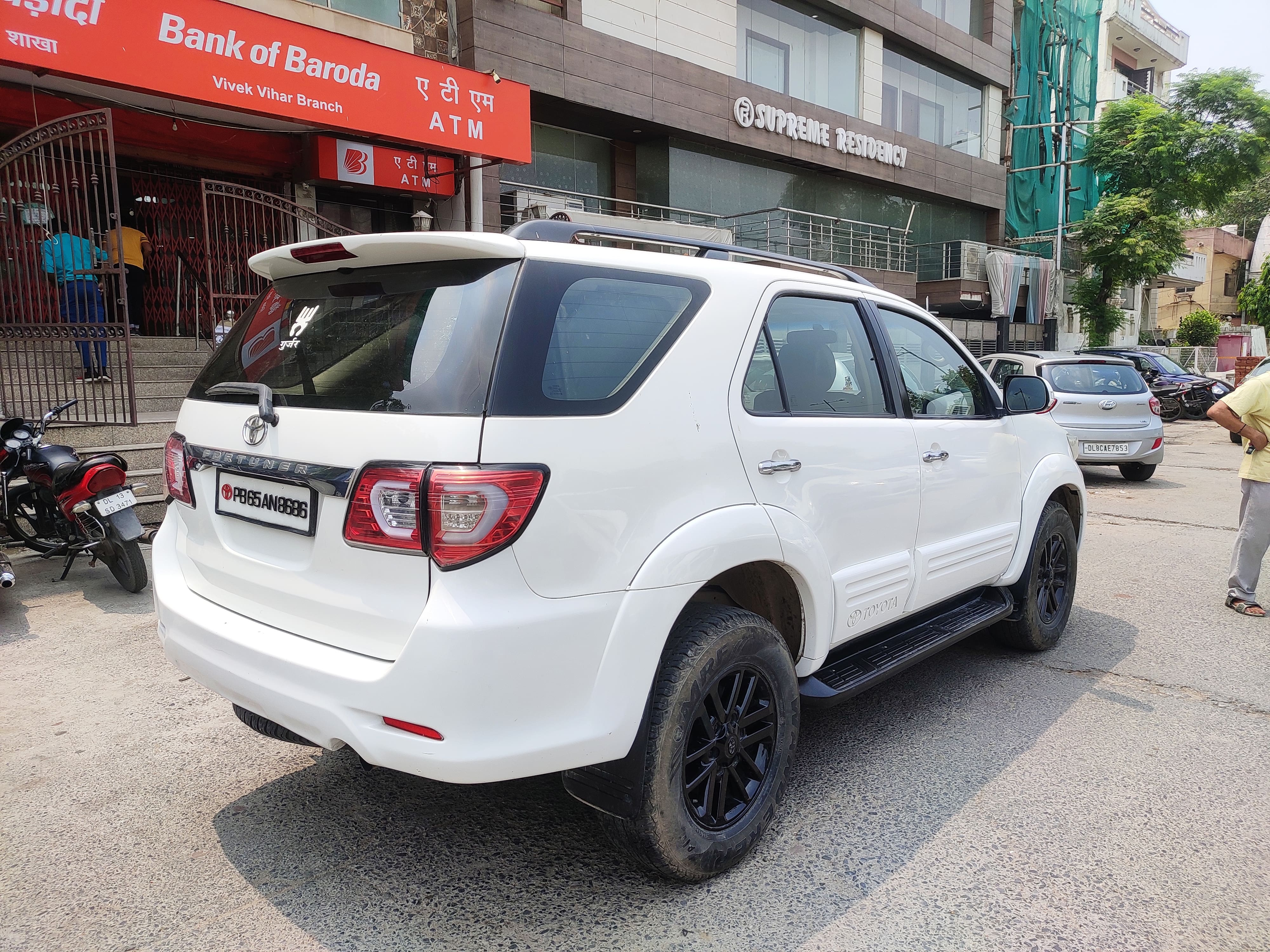 Toyota Fortuner 2.8 2WD MT BSIV