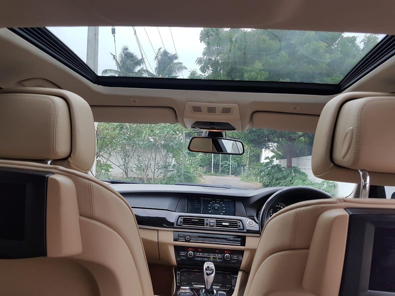 BMW 5 Series 2010-2013 530d Sedan 3.0