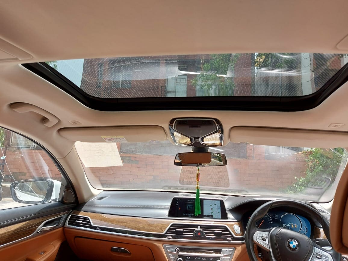 BMW 7 Series 2015-2019 730Ld DPE Signature