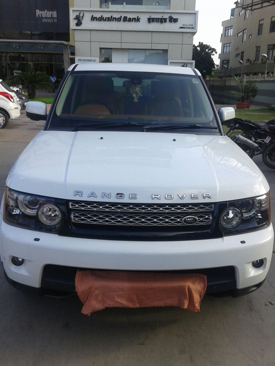 land rover range rover sport diesel hse price specs review pics mileage in india. Black Bedroom Furniture Sets. Home Design Ideas