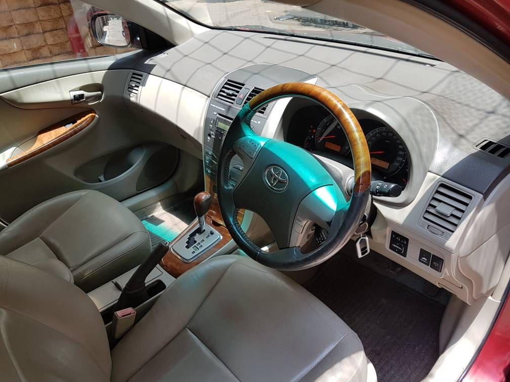 Toyota Corolla Altis 1.8 VL CVT