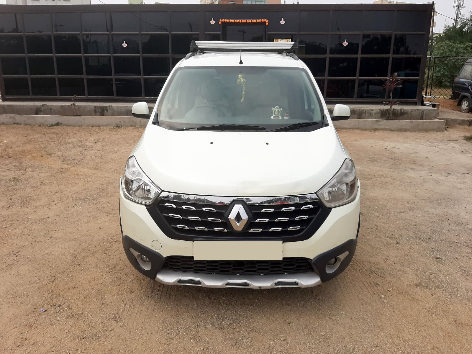 Renault Lodgy 110PS RxZ 7 Seater