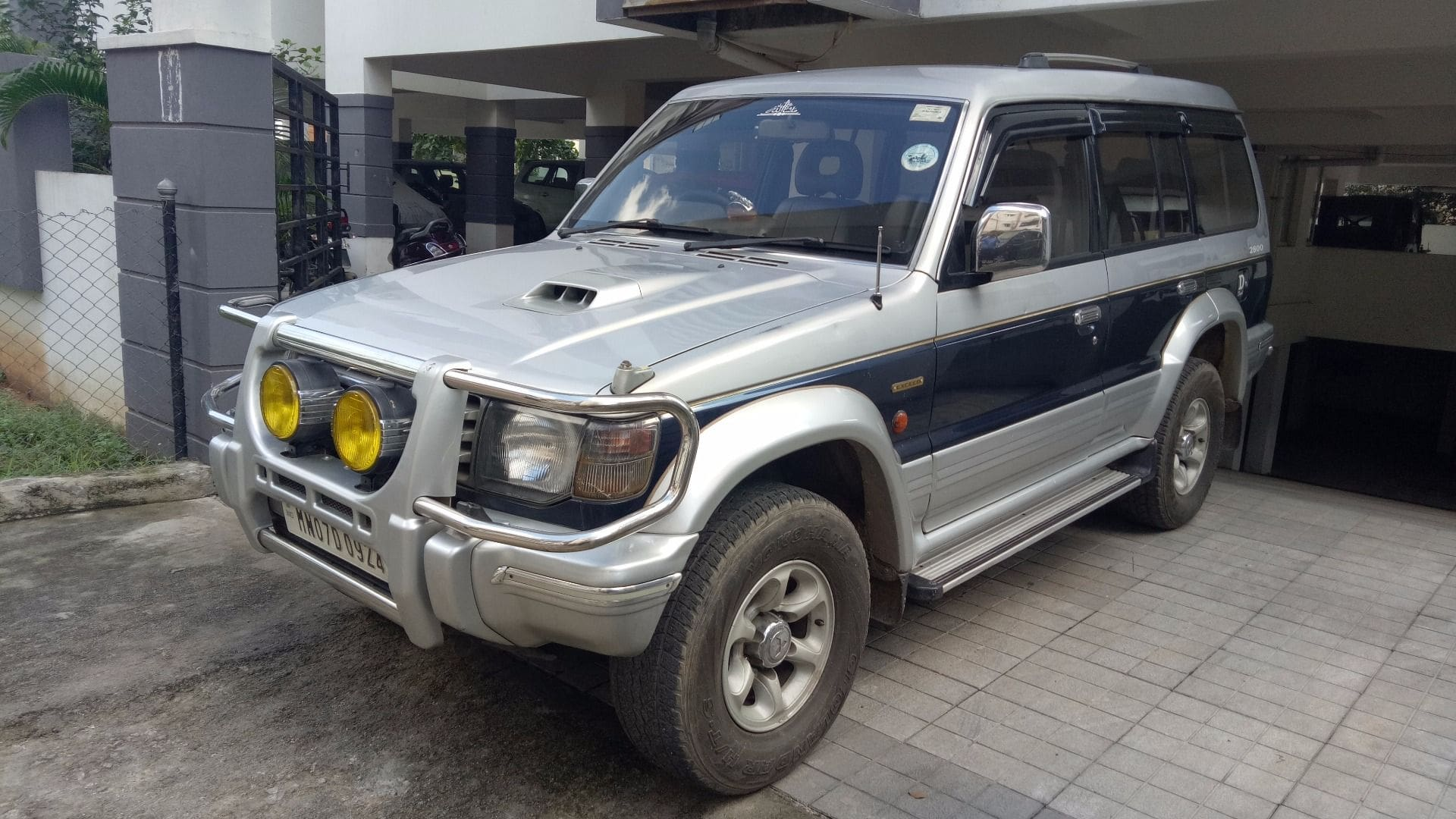 Used Mitsubishi Pajero 2002 2012 28 L 1555325