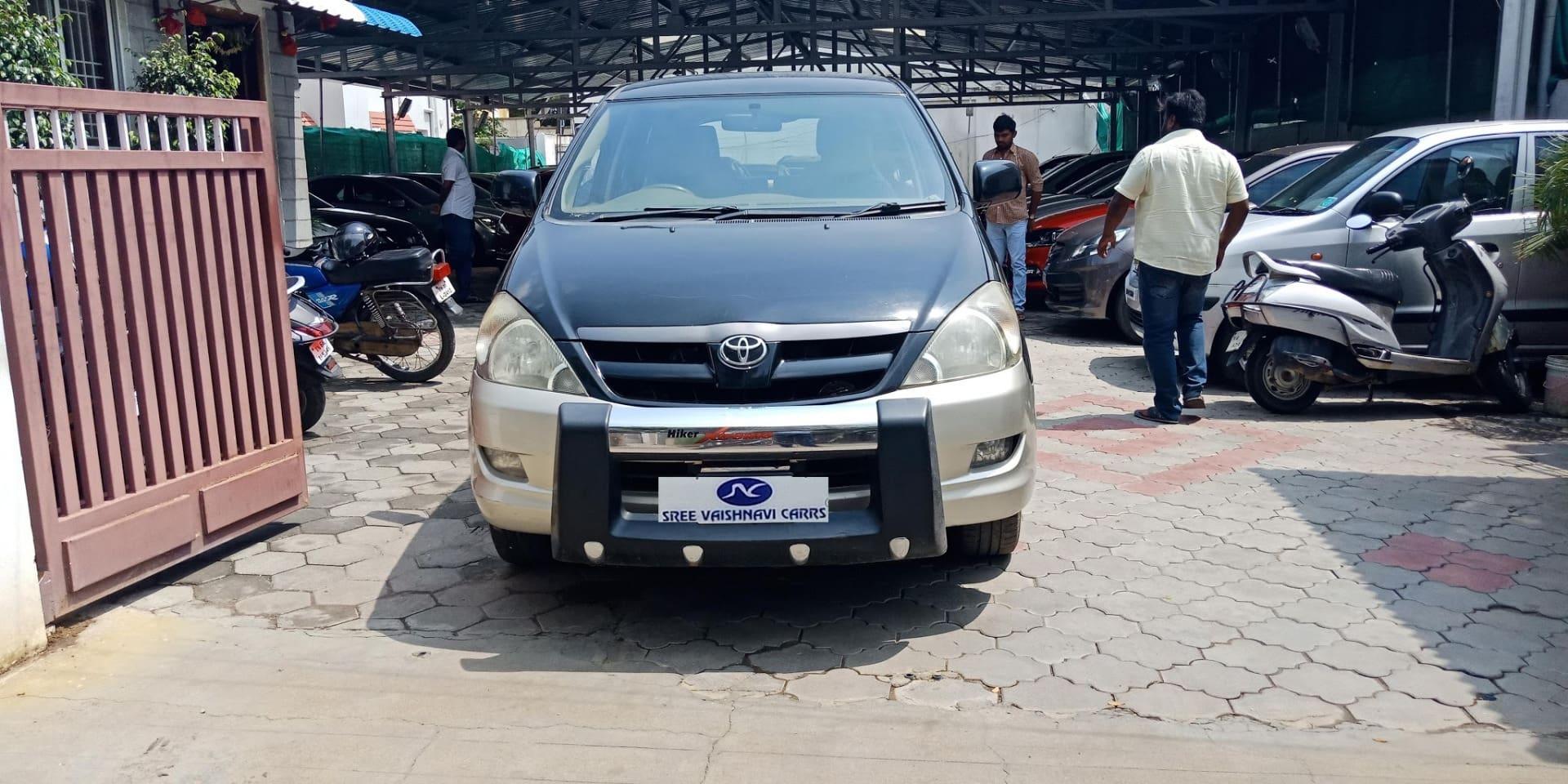 Toyota Innova 2004-2011 2.5 G4 Diesel 7-seater