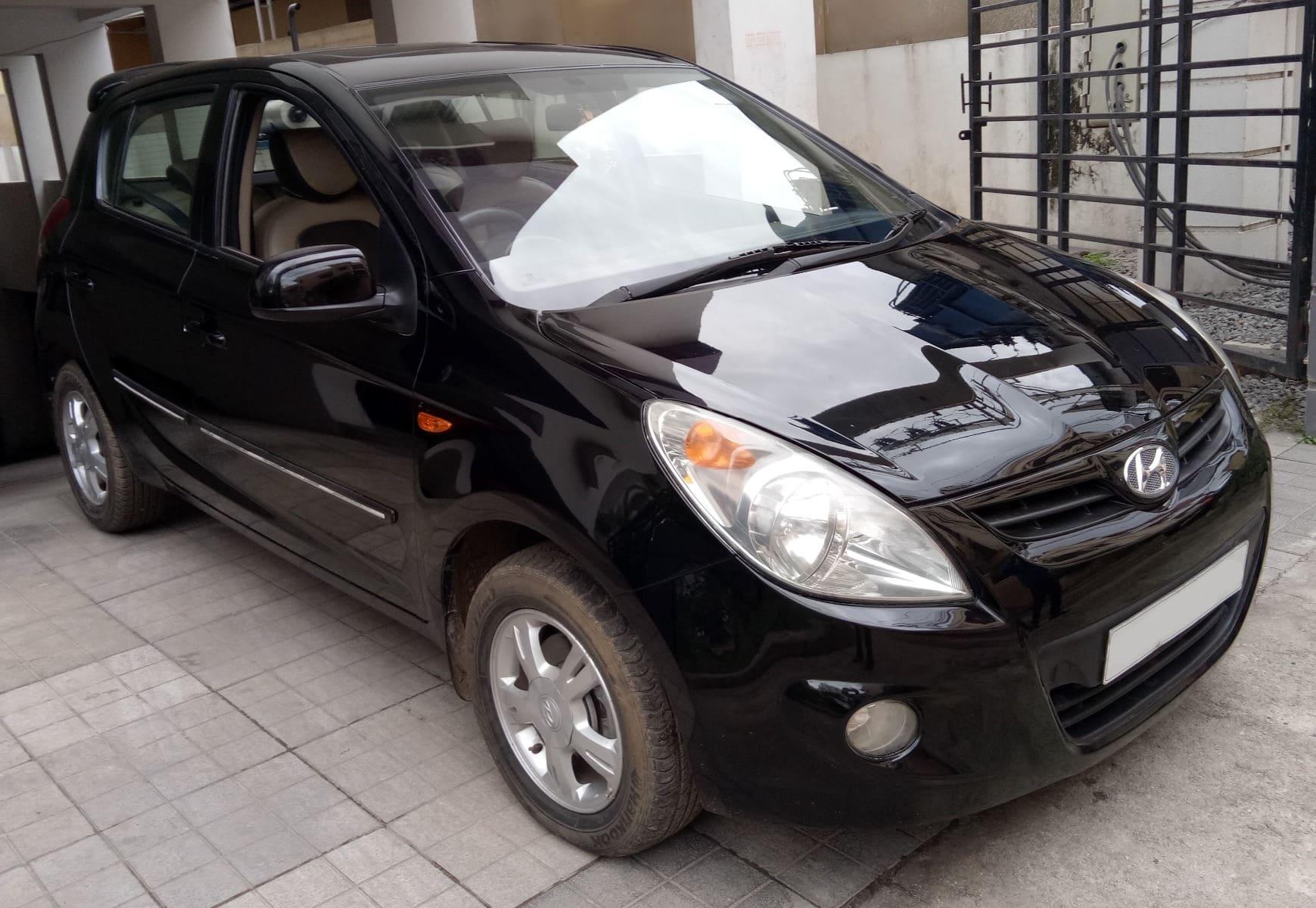 Hyundai i20 2008-2010 1.4 Asta AT (O) with Sunroof
