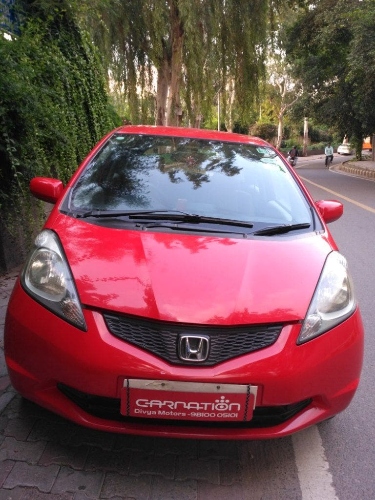Seller type dealer fuel type petrol reg place new delhi owner 1