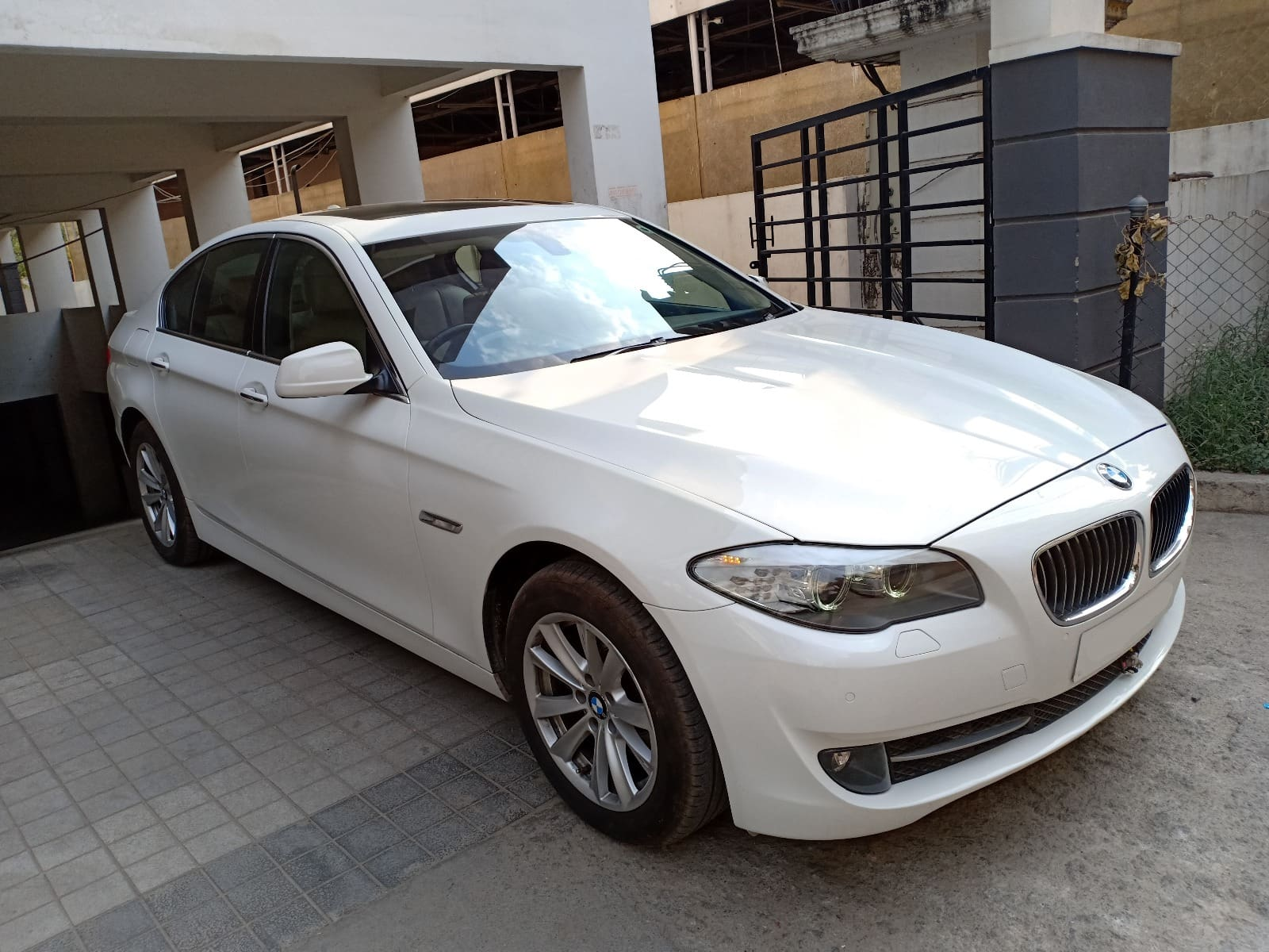 BMW 5 Series 2013-2017 525d Luxury Line