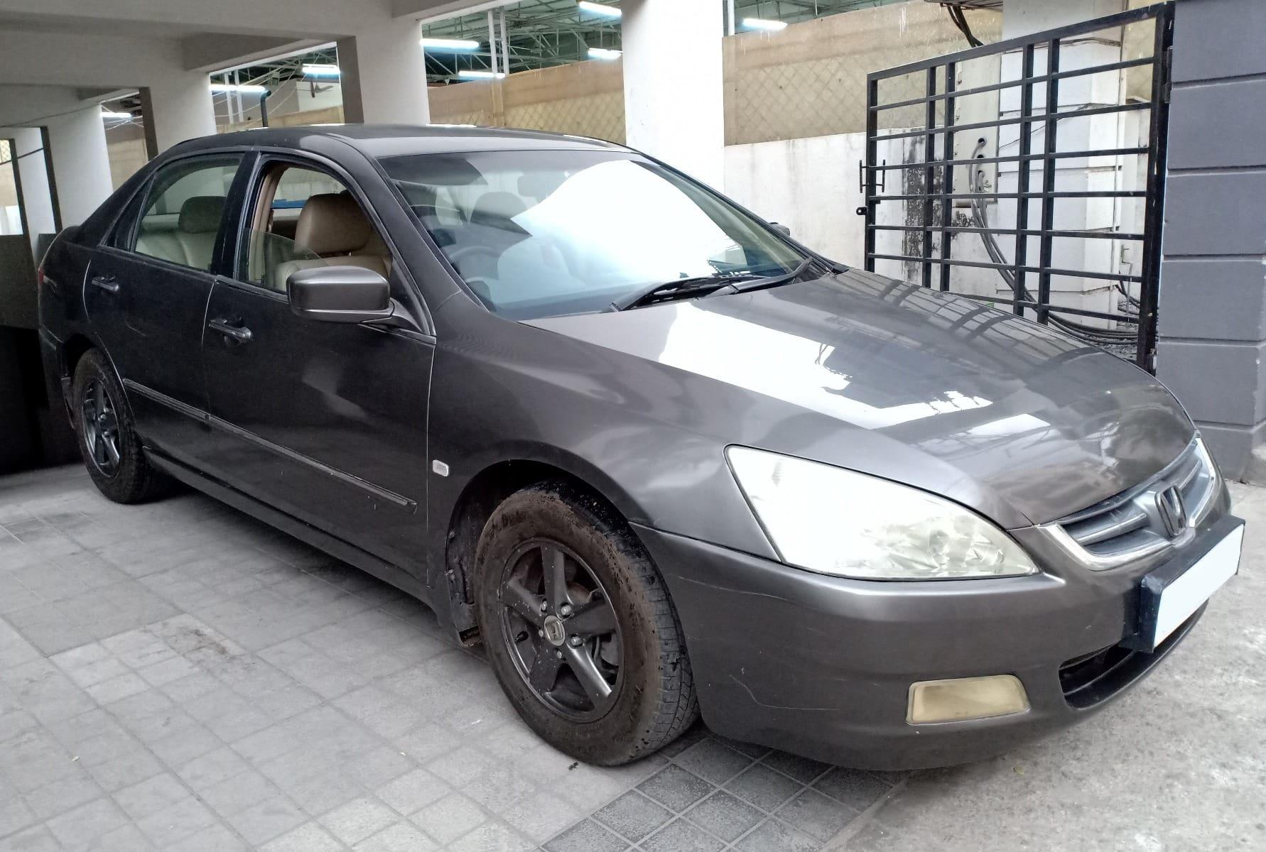 Honda Accord 2003-2007 VTi-L (AT)