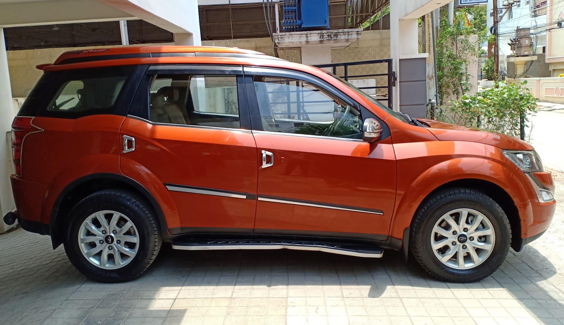 Mahindra XUV500 W10 AWD