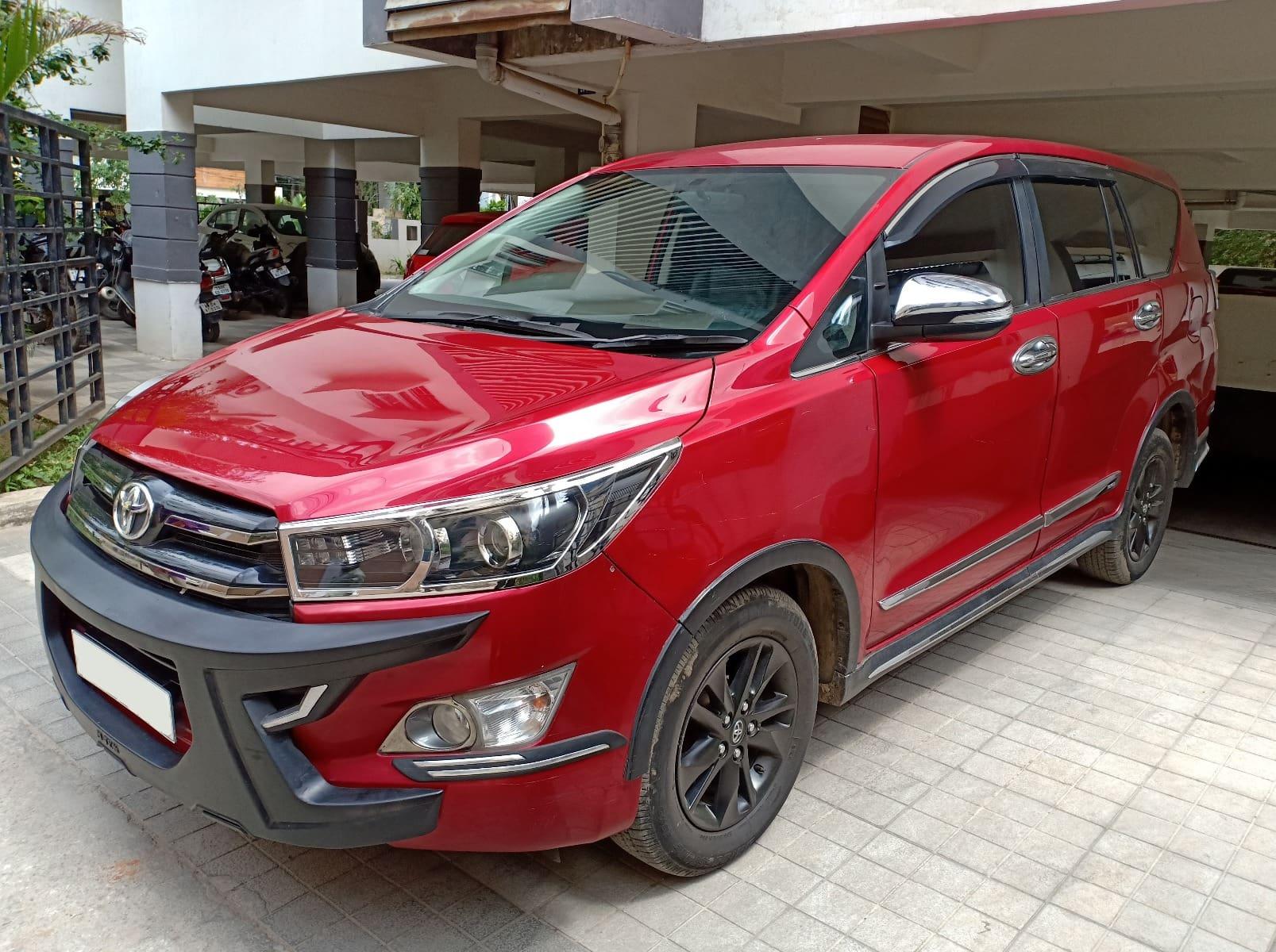 Toyota Innova Crysta 2.8 AT Touring Sport