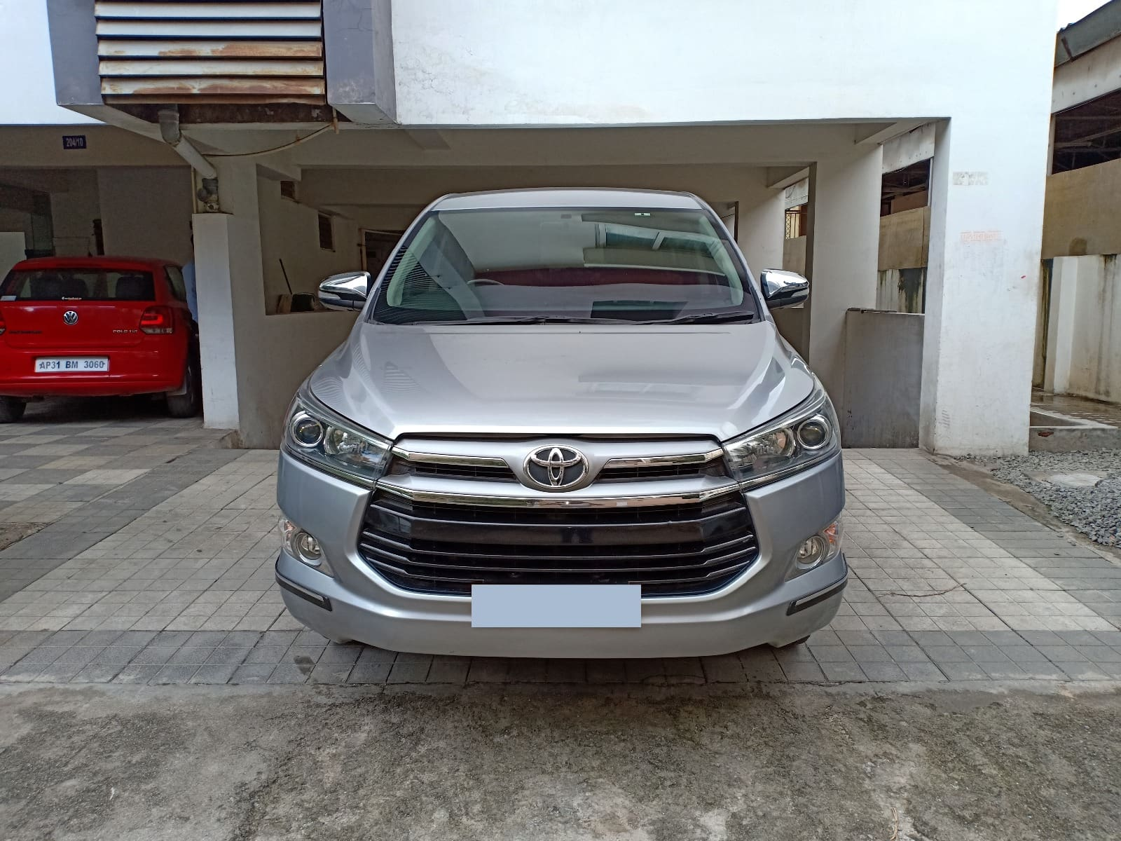 Toyota Innova Crysta 2.8 ZX AT