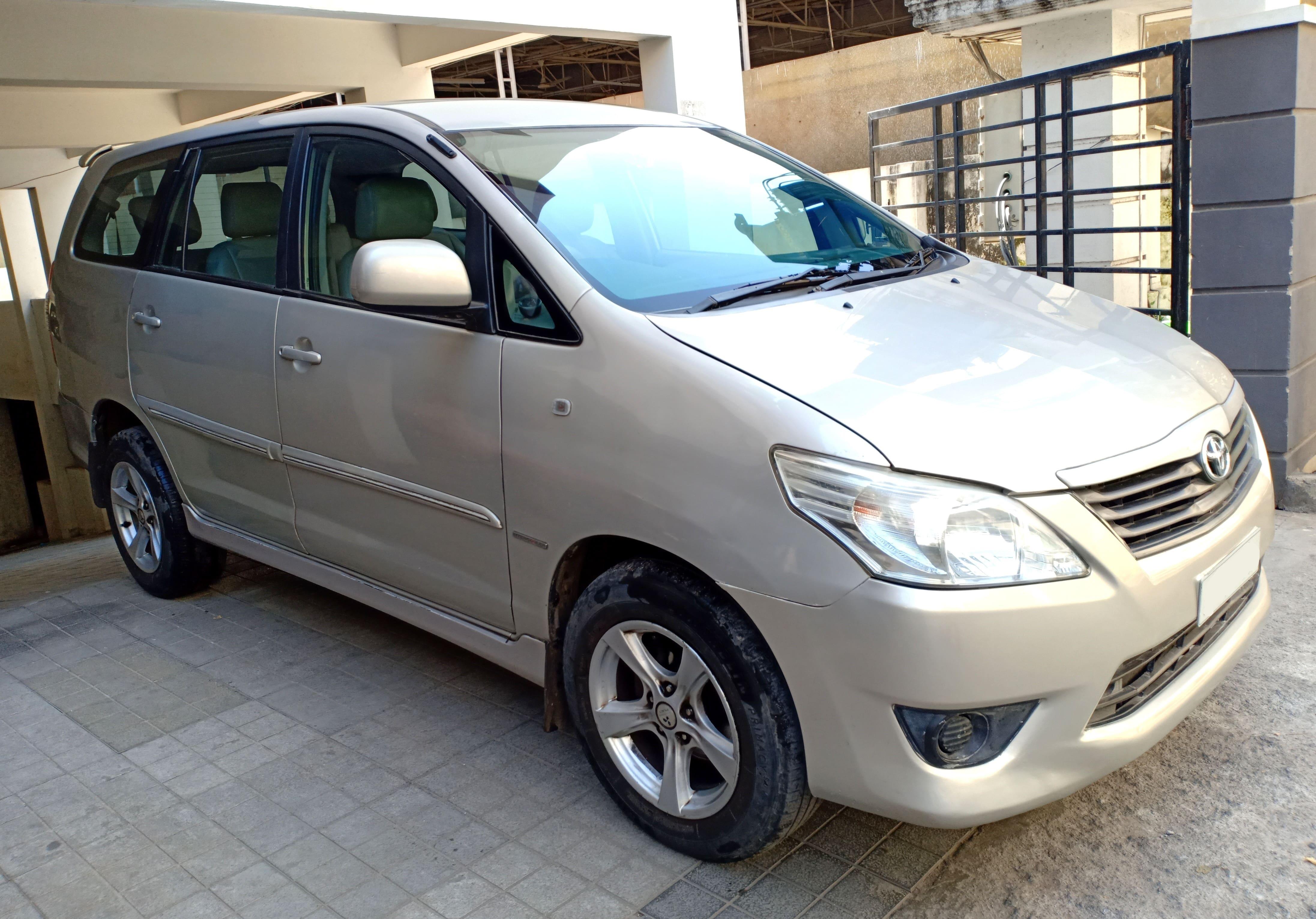 Toyota Innova 2.5 G (Diesel) 7 Seater