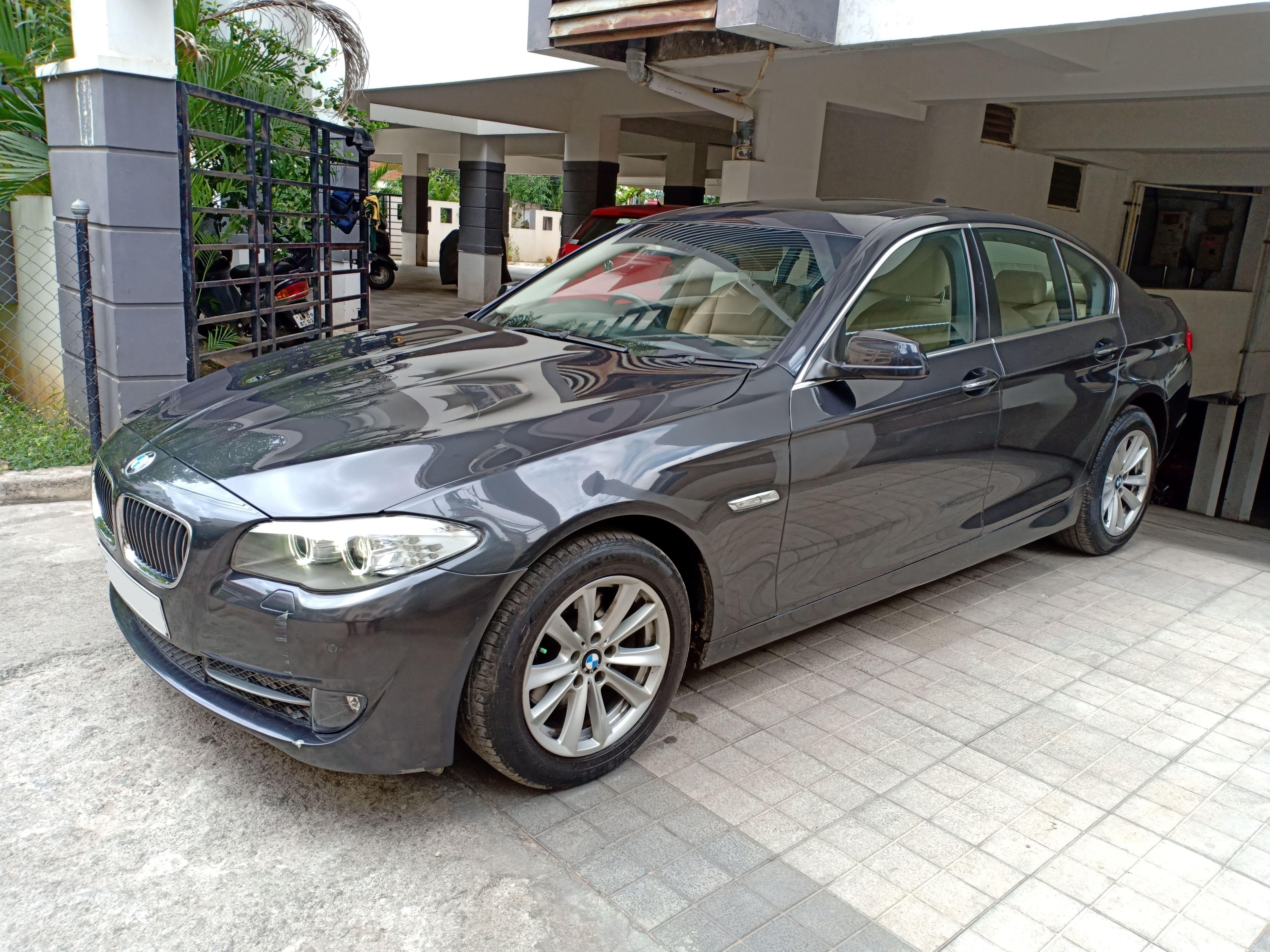 BMW 5 Series 2010-2013 520d Sedan