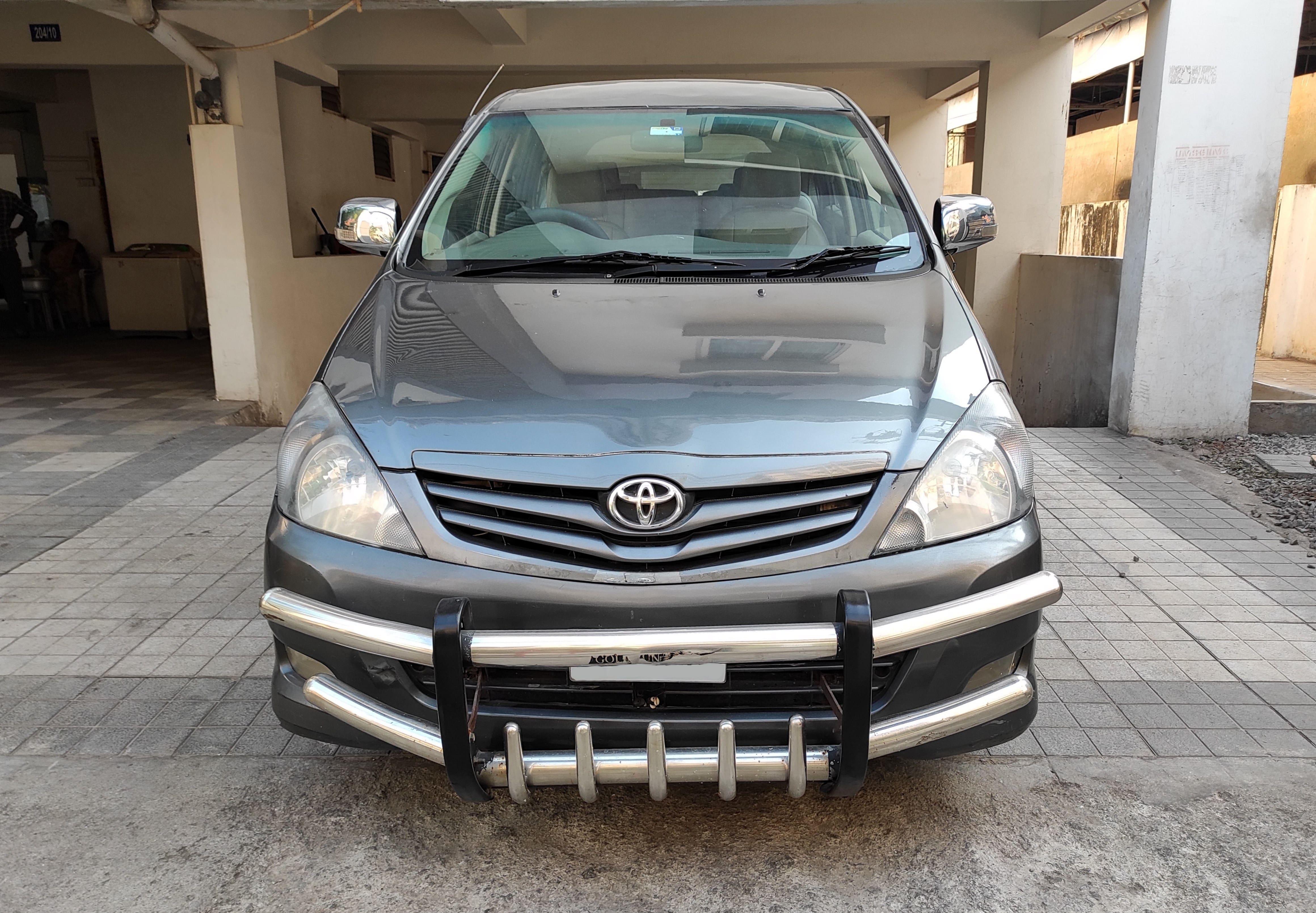 Toyota Innova 2009-2011 2.5 GX 8 STR