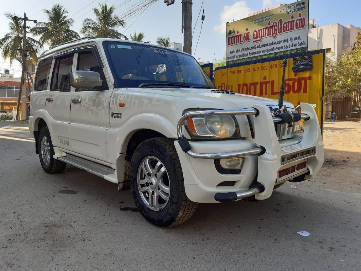 Mahindra Scorpio 2009-2014 VLX 2WD BSIV