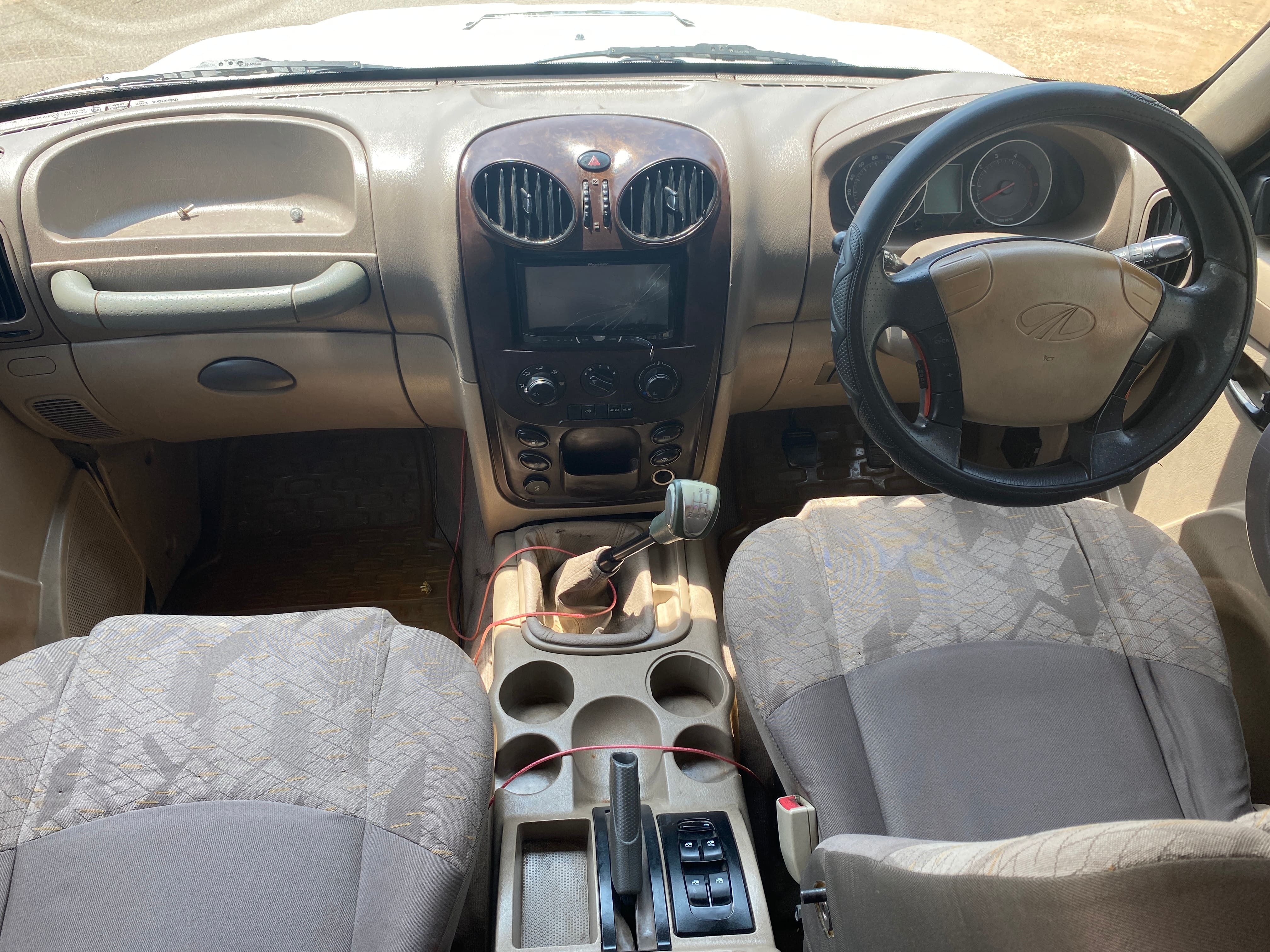 Mahindra Scorpio 2009-2014 VLX 2WD BSIII