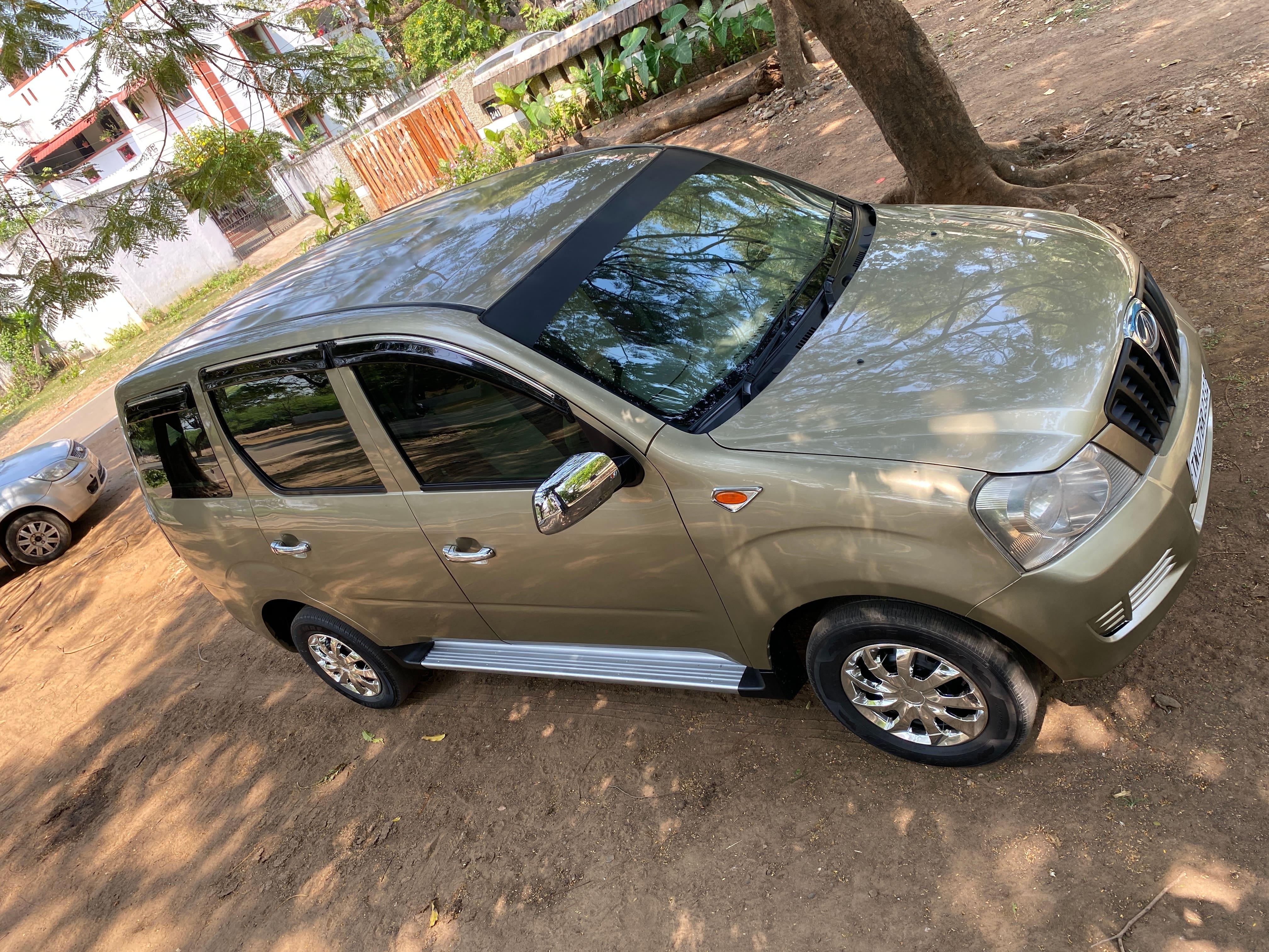Mahindra Xylo 2009-2011 D2