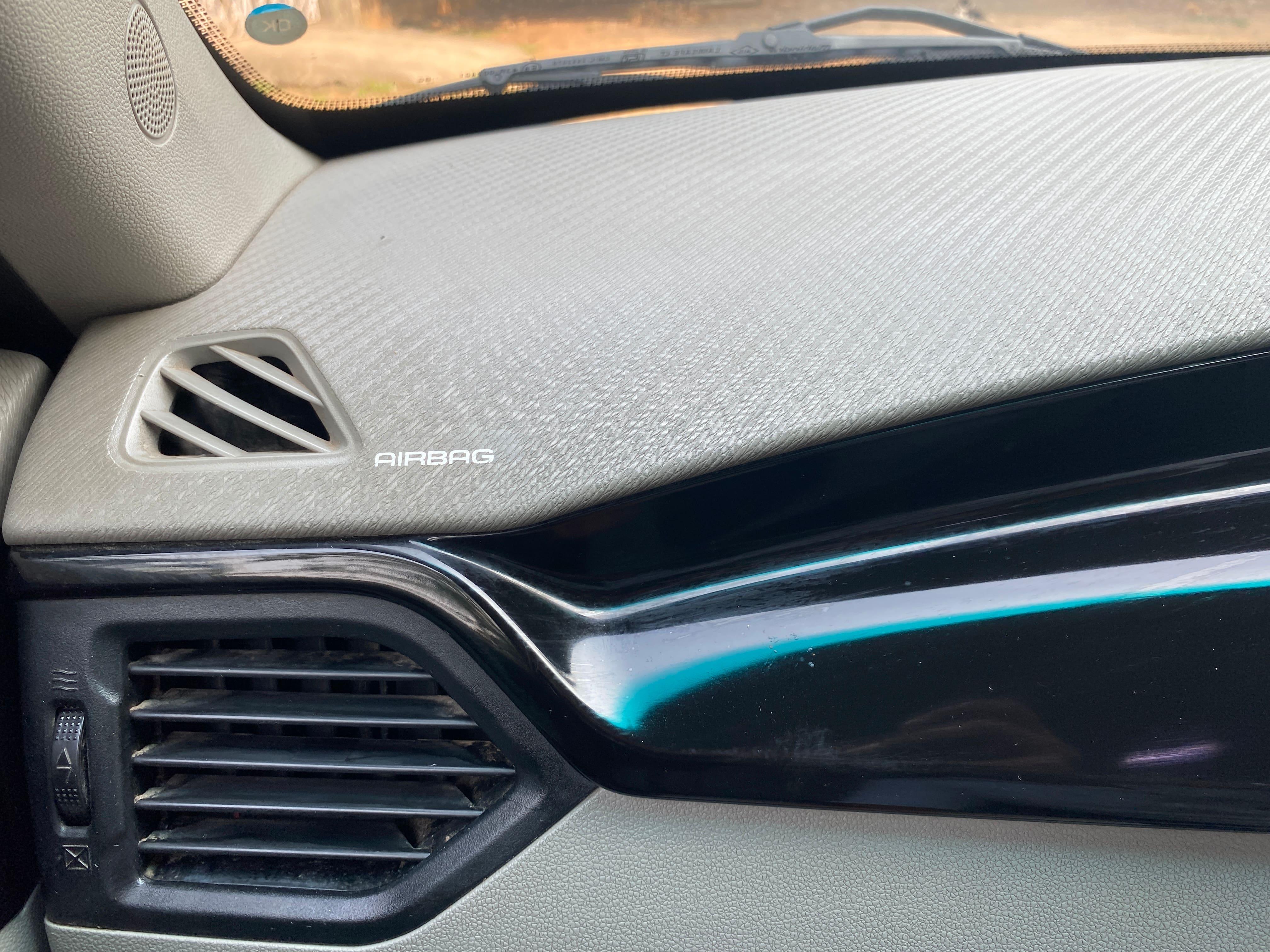 Mahindra KUV 100 2016-2017 mFALCON D75 K8 Dual Tone