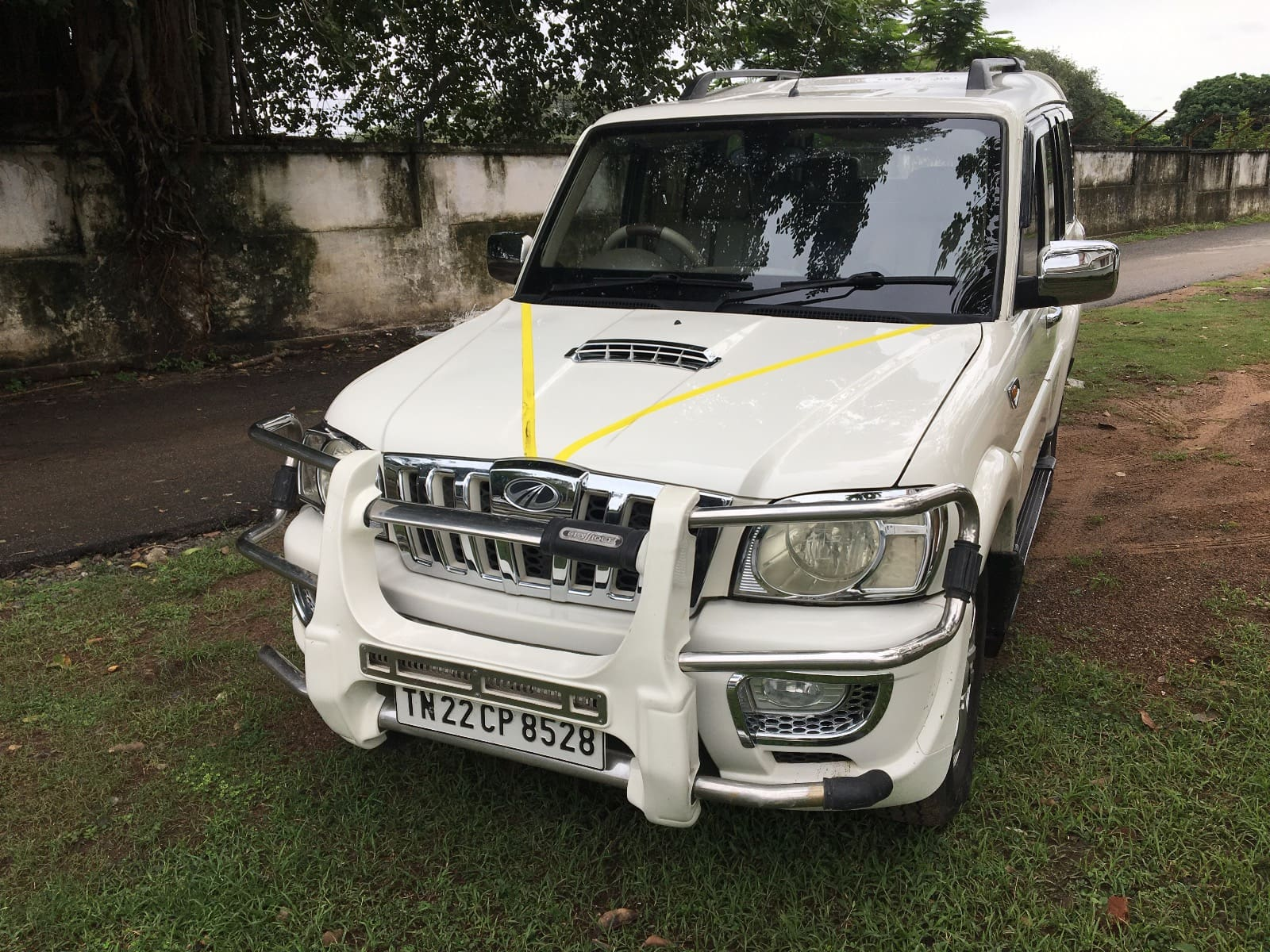 Mahindra Scorpio 2009-2014 VLX 2WD AIRBAG BSIII