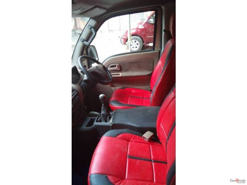 Tata Venture GX 7 Str Captain Seats