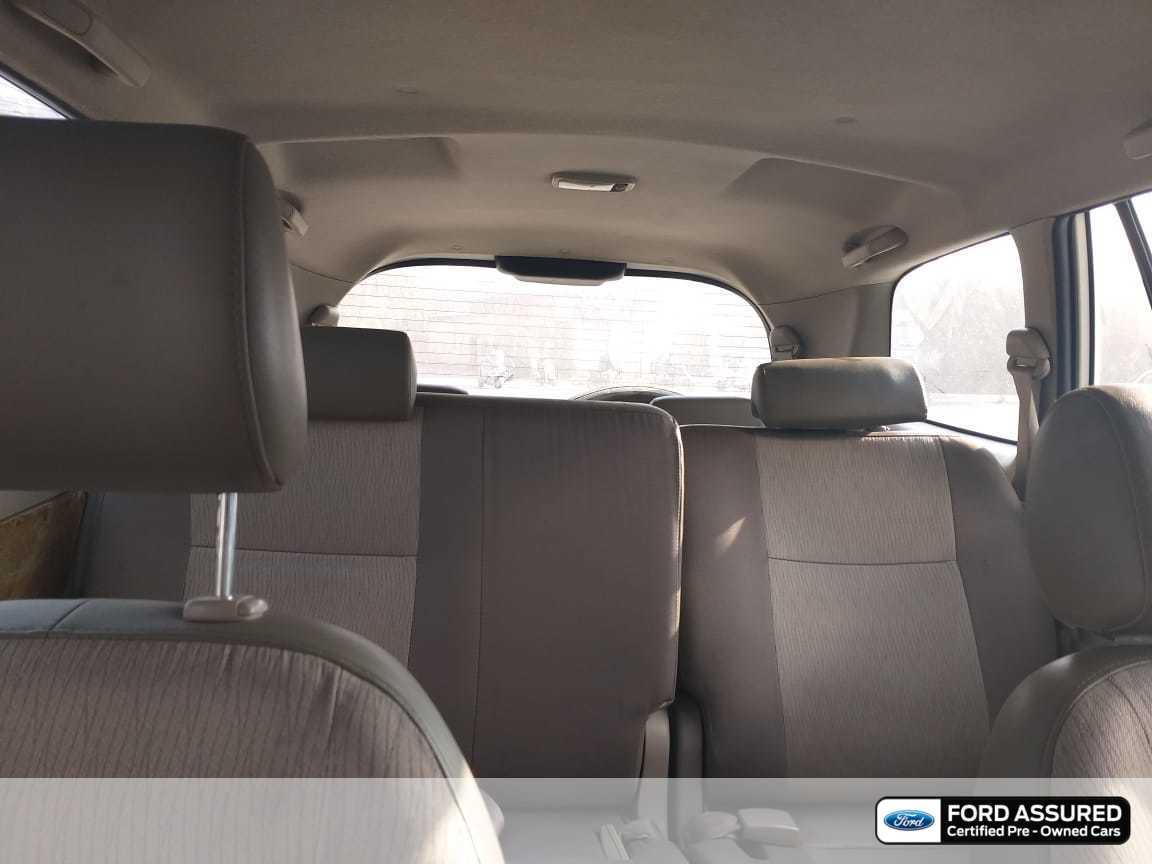 Toyota Innova 2012-2013 2.5 GX (Diesel) 8 Seater