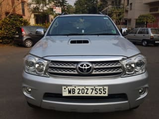 2011 Toyota Fortuner 2.8 2WD MT