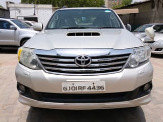 2012 Toyota Fortuner 4x4 AT