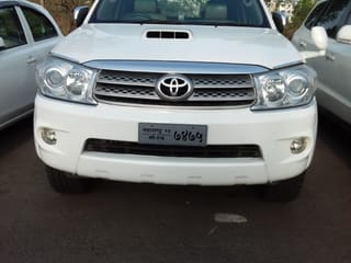 2010 Toyota Fortuner 4x2 Manual