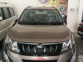 2017 Mahindra XUV500 W10 AWD