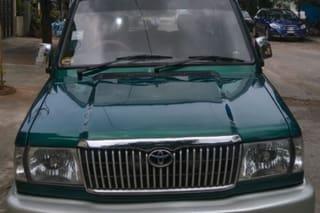 2003 Toyota Qualis RST