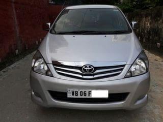 2011 Toyota Innova 2.5 VX 7 STR