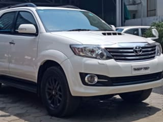 2015 Toyota Fortuner 2.8 4WD AT