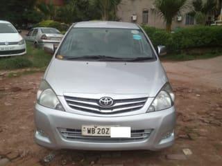 2011 Toyota Innova 2.5 VX 8 STR BSIV